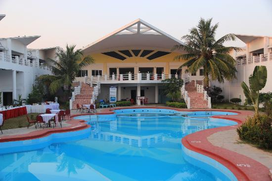 Sterling Puri - Golden Sand - Beach Resort - My Luxurious Stay